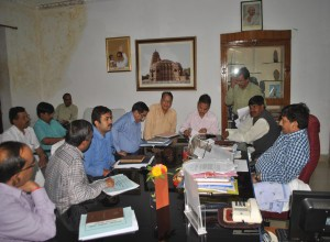 meeting-vidisha-hari-singh-sapre-kurbai-and-collector-vidisha