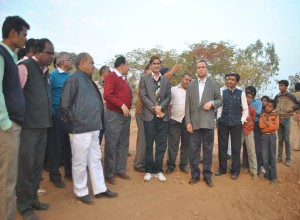 collector-at-shamshavad-to-analyze-sanjay-sagar-dam